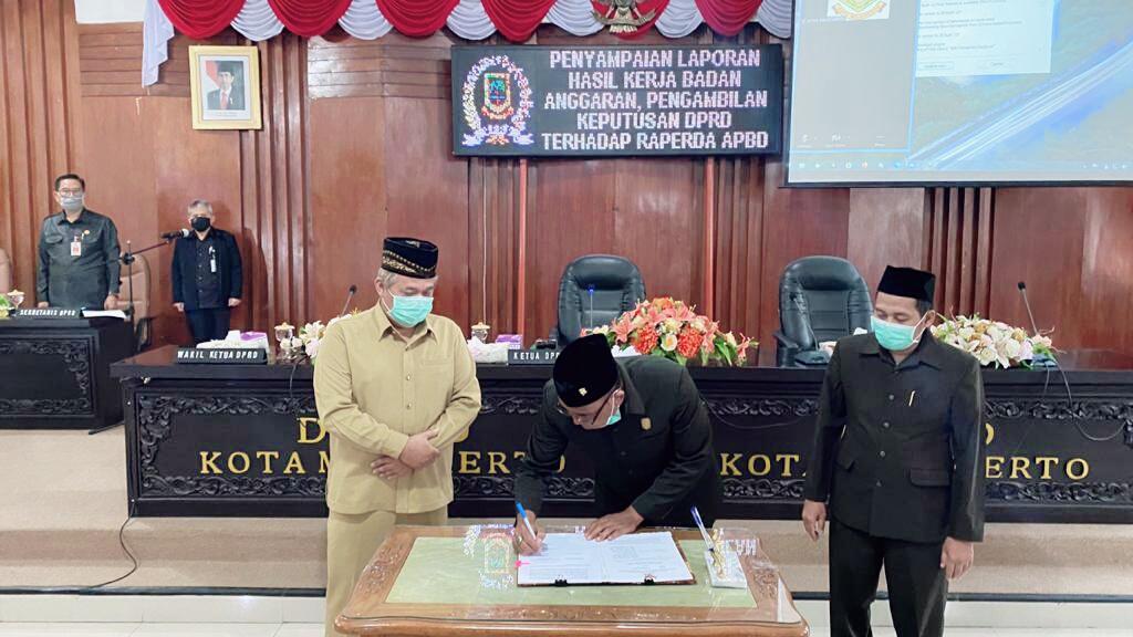 Melalui Paripurna, DPRD Kota Mojokerto Setujui Raperda APBD 2021