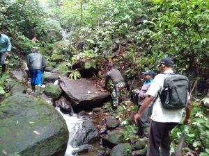 Koramil 0815/17 Trawas Bersama KPH Pasuruan Giatkan Mitigasi Bencana